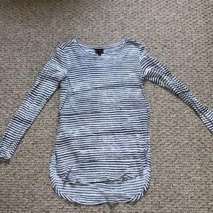 Hi-lo long sleeve light weight shirt